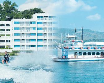 Hotel Villa Bejar Tequesquitengo - Tequesquitengo - Building