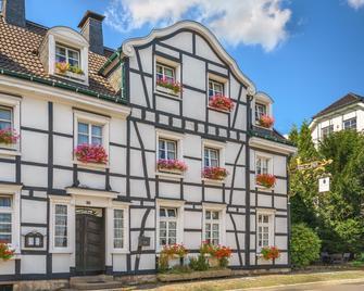 Hotel zur Post - Wermelskirchen - Building