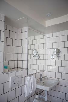 Best Western Plus Hotell Nordic Lund - Lund - Bathroom
