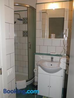 B&B Mini Hotel Incity - Salerno - Bathroom