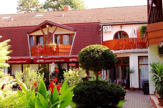 Hotel Kentaur - Siófok - Rakennus