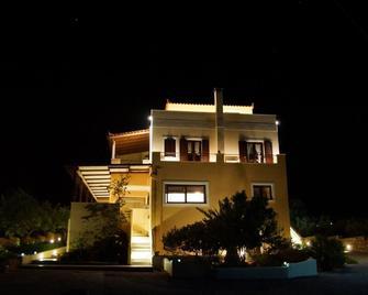 Berdoussis Hotel - Elafonisos - Building