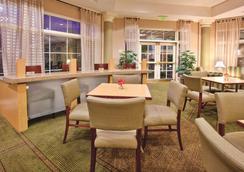 溫斯頓塞勒姆拉昆塔套房酒店 - 溫斯頓 – 賽勒 - 溫斯頓·塞勒姆 - 大廳