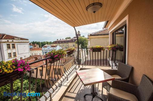 8 1/2 Art Guest House - Plovdiv - Balcony