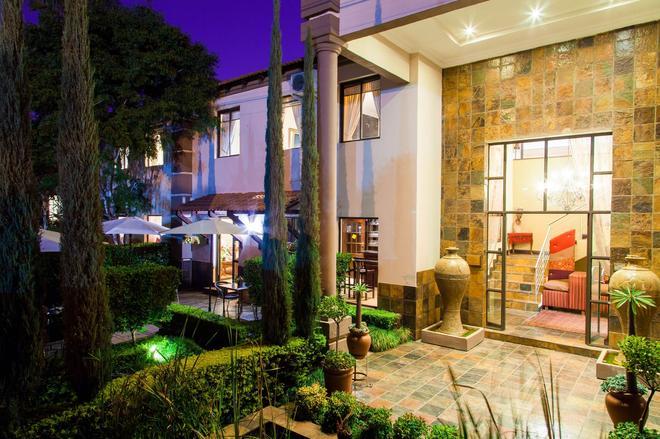 Constantia Manor Guest House - Pretoria - Rakennus