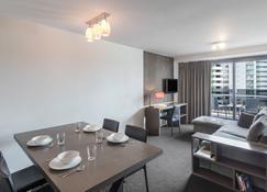 Nesuto Celestion - Auckland - Dining room