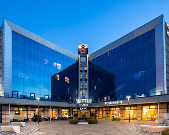 Best Western Plus Hotel Expo - Виллафранка-ди-Верона - Здание
