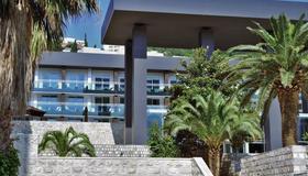 Avala Resort & Villas - Budva - Edificio