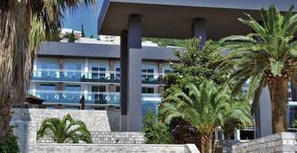 Avala Resort & Villas - Budva - Rakennus