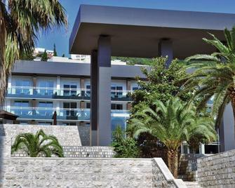 Avala Resort & Villas - Budva - Edificio