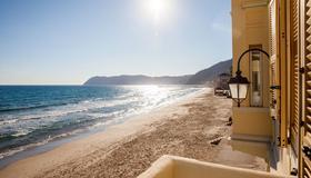 Hotel Savoia - Alassio - Beach