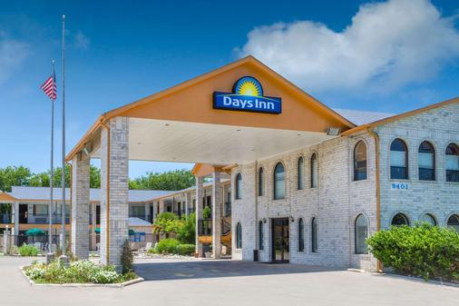 Days Inn by Wyndham San Antonio - San Antonio - Rakennus