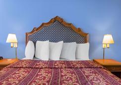 Days Inn by Wyndham San Antonio - San Antonio - Makuuhuone