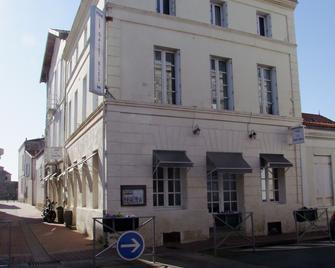 Hotel Le Galet Bleu - Fouras - Building