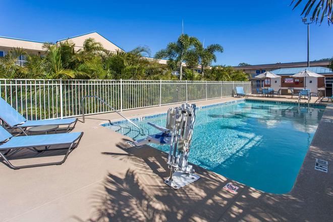 墨爾本戴斯酒店 - 墨爾本 - 墨爾本 - 游泳池
