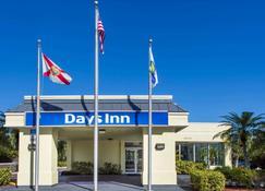 Days Inn by Wyndham Melbourne - Melbourne - Building