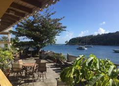 Paradise Beach Hotel - Kingstown - Patio
