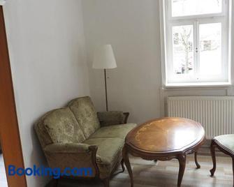 Ferienwohnung Historischer Marktplatz - Spangenberg - Living room