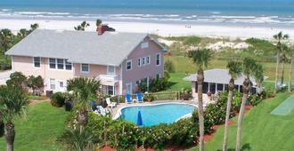 Beachfront Bed & Breakfast - St. Augustine - Building