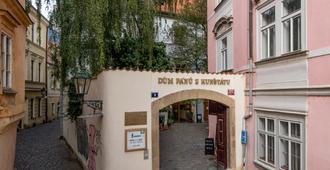 3 Epoques - Praga - Vista del exterior