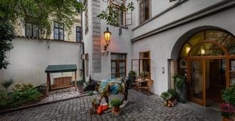 3 Epoques - Praga