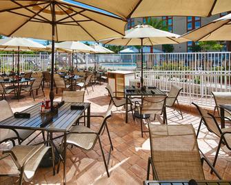 Red Lion Hotel Orlando Lake Buena Vista South - Kissimmee - Innenhof
