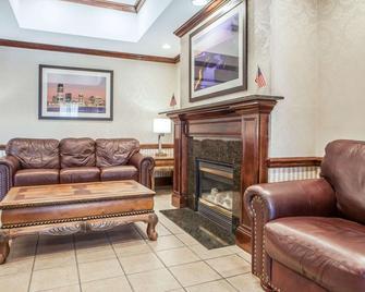 Comfort Inn & Suites Carnerys Point - Carney's Point - Obývací pokoj