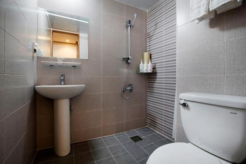 Hotel Rest Seogwipo - Thành phố Seogwipo - Phòng tắm