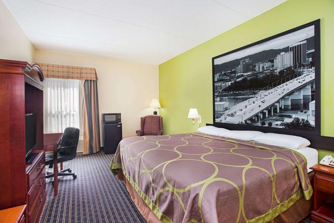 Super 8 by Wyndham Chattanooga/Hamilton Place - Chattanooga - Bedroom