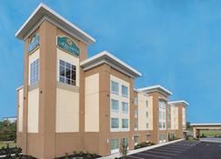 La Quinta Inn & Suites by Wyndham Paducah - Paducah - Building