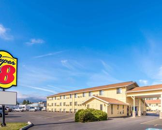 Super 8 by Wyndham Missoula/Brooks Street - Missoula - Building