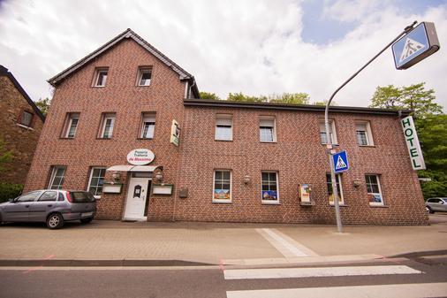 Hotel Burghof - Stolberg (North Rhine-Westphalia) - Building