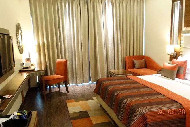 古爾岡中央華美達酒店 - 古爾岡 - 古爾岡 - 臥室