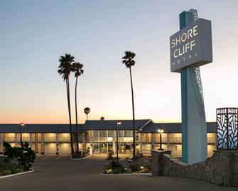 Shore Cliff Hotel - Pismo Beach - Building