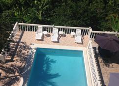 Retreat Guesthouse Luxury Suites - Falmouth - Pool