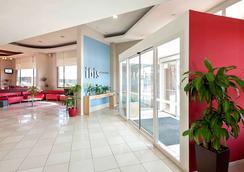 聖地亞哥中心宜必思客房旅館 - 聖地牙哥 - 聖地亞哥 - 大廳
