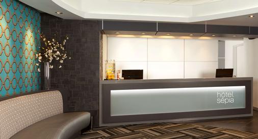 Hotel Sepia - Québec City - Front desk