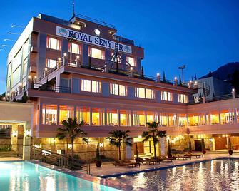 Royal Senyiur Hotel - Prigen - Edificio