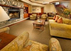 Tolovana Inn - Cannon Beach - Lounge