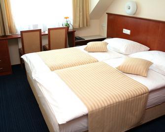 Hotel Hum Lasko - Laško - Habitación