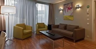 B-aparthotel Montgomery - Brussels - Living room