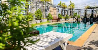 曼谷北門拉甲優心服務式公寓 - 曼谷 - 曼谷 - 游泳池
