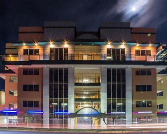 Hotel Tropico Inn - San Miguel - Budova