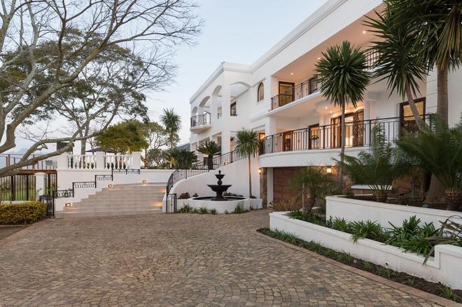 Zarose - Stellenbosch - Building