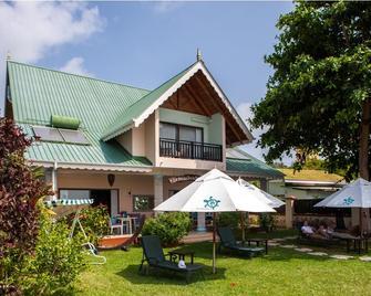 Le Relax Beach House - La Digue Island