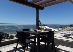 Cmb Guesthouse - Apulie - Balcony