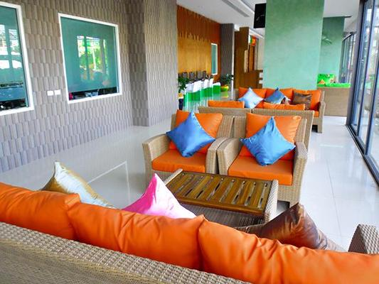 The Three By Apk - Patong - Living room