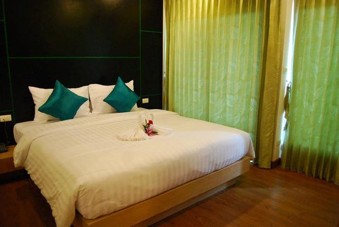 The Three By Apk - Patong - Bedroom