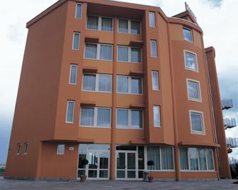 Hotel Verdina - Volpiano - Building