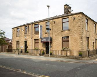 Oak House Bed & Breakfast - Oldham - Building